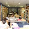 Estudiando en la biblioteca